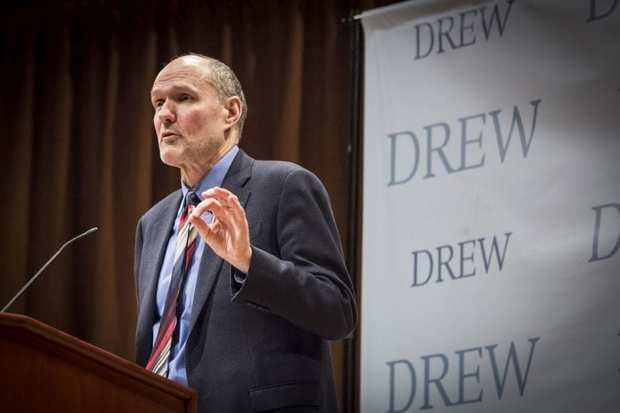 انتقاد استاد دانشگاه هاروارد از سیاست های براندازانه آمریکا