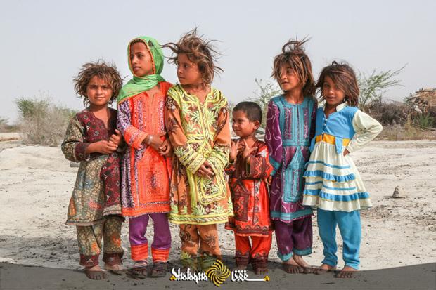 تصاویر/ کودکان مناطق محروم جنوب سیستان و بلوچستان و حاشیه چابهار