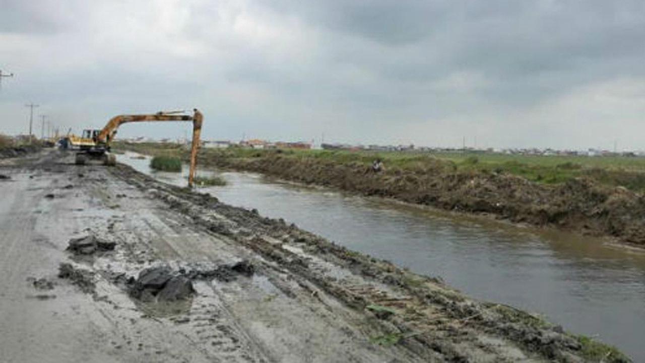 لایروبی 321 دستگاه پل در منطقه سیستان