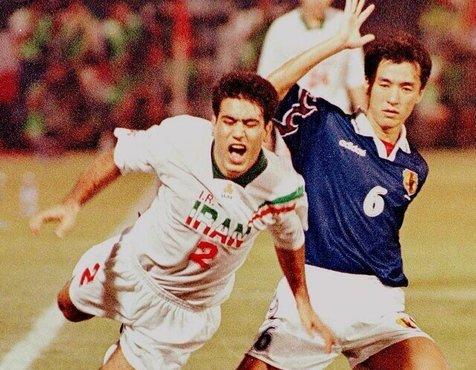 تصویری تاریخی از مهدوی کیا در بازی تاریخی ایران و ژاپن جام جهانی 98