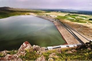 آغاز مرحله نخست رهاسازی آب از سد مخزنی دریک سلماس به سمت دریاچه ارومیه