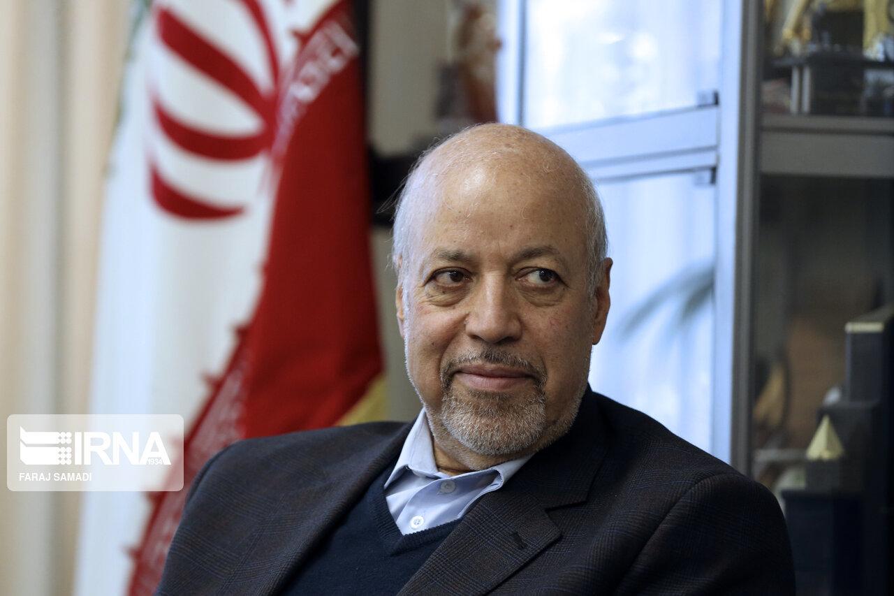 استاندار اصفهان: حل مشکلات صادرات را وظیفه خود میدانیم