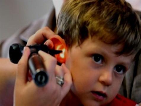 آشنایی با علائم ناشنوایی در کودکان