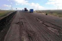 مدیرکل راه و شهرسازی آذربایجان شرقی: نیمی از رویه آسفالت راه های استان خرابند