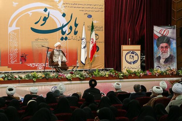 علمای دین نقش موثری در پیروزی انقلاب اسلامی داشتند