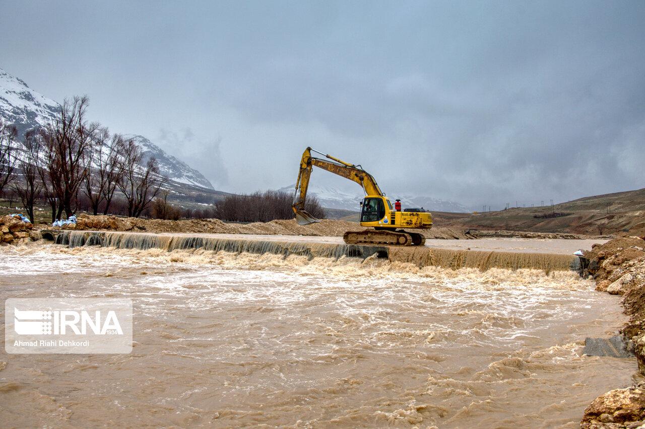 ۳۵۰ اکیپ امدادی و عملیاتی سیلاب در اصفهان تشکیل شد