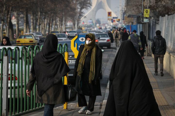 آسمان تهران در هاله ای از دود و خاکستر ناشی از آلودگی هوا