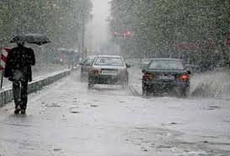 بارش باران و آبگرفتگی معابر و طغیان رودخانه ها در 8 استان