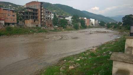 نگرانی مردم چالوس از آزاد نشدن حریم رودخانهها و احتمال وقوع سیل