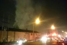 مصدومیت یک آتش نشان در جریان عملیات مهار حریق یک انبار درباقرشهر