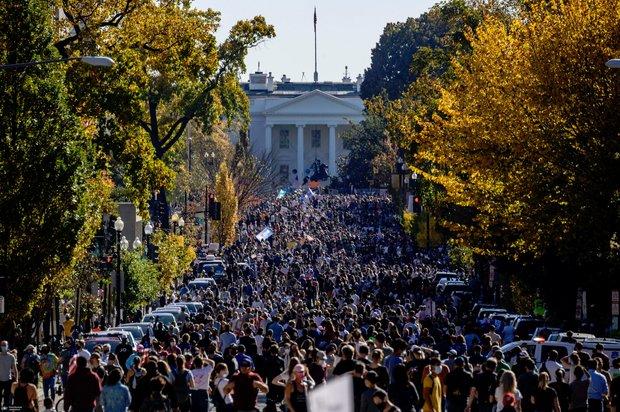 تصاویر/ جشن پیروزی «بایدن» در خیابان های آمریکا