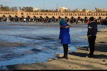 بخش وسیعی از زاینده رود با کاهش خروجی سد بی آب می شود