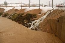 سیلاب راه ارتباطی 53 روستای شهرستان کوهرنگ را قطع کرد