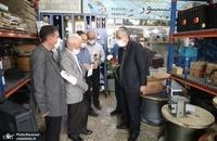 حضور مسجد جامعی در کتابفروشی حافظ و اهدای گل به همسایگان آن (12)