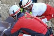 یک تن بر اثر سقوط از کوههای تنگستان جان باخت