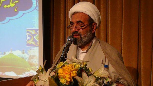 مدیر مرکز بزرگ اسلامی غرب کشور: مهمترین عامل هویت جامعه اسلامی وحدت است