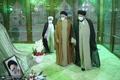 ادای احترام سید عمار حکیم به حضرت امام خمینی (س)
