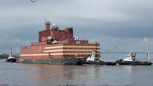 نخستین نیروگاه هستهای شناور جهان +تصاویر