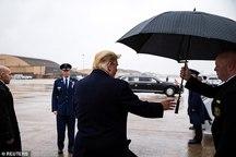 رفتار عجیب ترامپ+ تصاویر