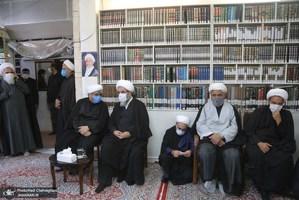 حضور مراجع و علما در بیت آیت الله العظمی صانعی(ره)-2