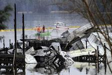 آتش سوزی مهیب قایق ها در آمریکا و کشته شدن 8 تن