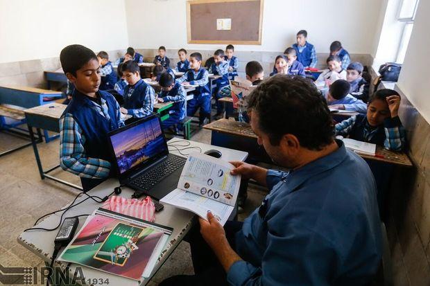 ایران تا سال ۱۴۰۴ با کمبود ۴۰۰ هزار معلم مواجه است