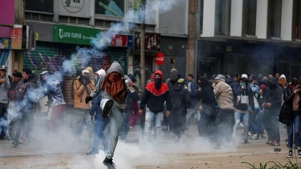 اعتراض ها به کلمبیا رسید+تصاویر