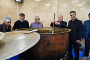 علی پروین، سعید راد و محمدرضا شریفی نیا و چند پرسپولیسی پای دیگ نذری+ عکس