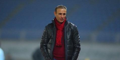 گلمحمدی بهترین مربی ایران در سال 2019 از نگاه فدراسیون فوتبال شد
