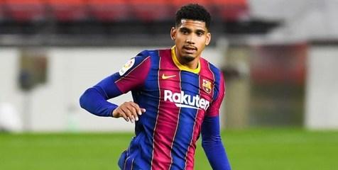 مدافع بارسلونا مصدوم شد