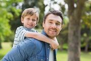 اگر می خواهید فرزندانتان جوانی خوبی داشته باشند،در کودکی بغل شان کنید
