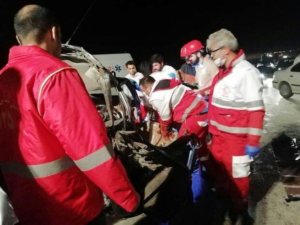 تصادف زنجیره ای ۵ خودرو در کلاله یک کشته و ۴ مصدوم برجای گذاشت