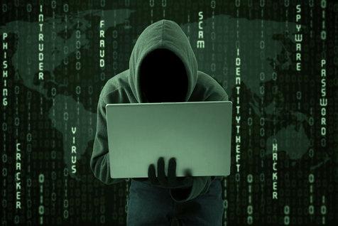 12ساله بودم،هک کردن حسابهای بانکی را یادگرفتم/ اولین بار حساب مادرم را خالی کردم!