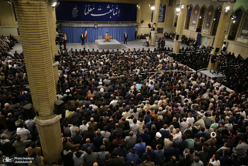 دیدار هزاران نفر از معلمان و فرهنگیان سراسر کشور با رهبر معظم انقلاب