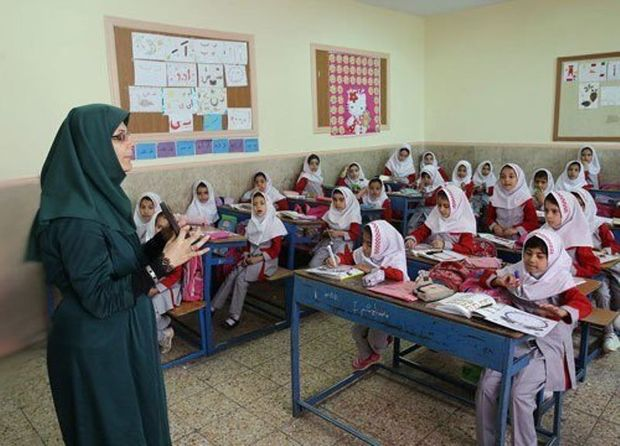 طرح رتبهبندی معلمان از شهریور یا مهر اجرایی میشود