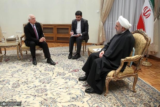 روحانی: ایران همچنان آماده تعامل و همکاری با اتحادیه اروپا برای حل و فصل مسائل است