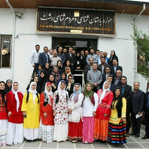 بازدید مردم و مسئولان رودبار از موزه رشت و جام مارلیک