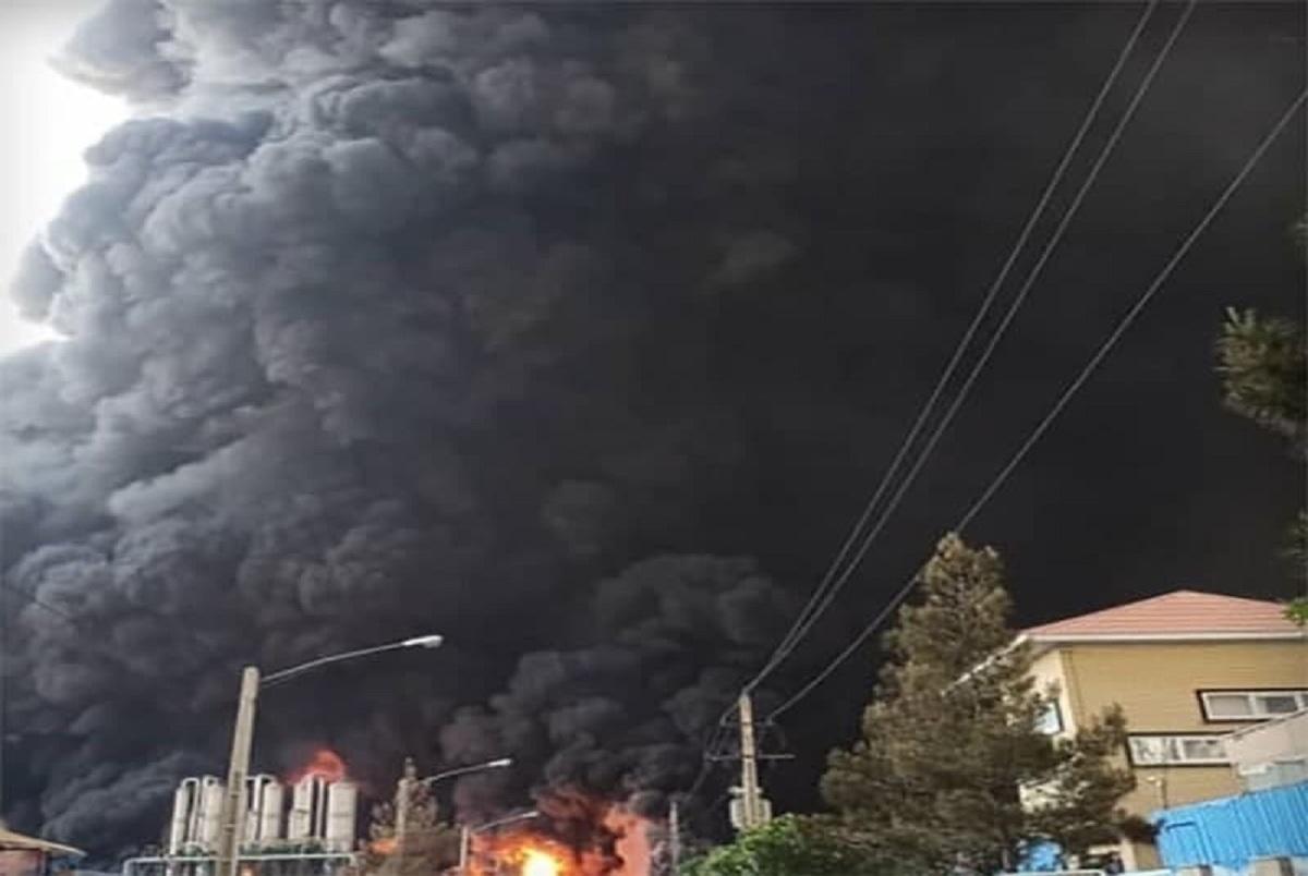 آتشسوزی مهیب در کارخانه الکل شکوهیه قم + تصاویر و فیلم
