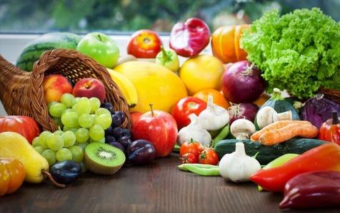 نرخ میوه کاهش می یابد