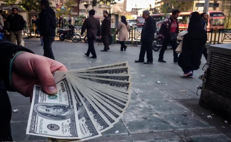 آینده اقتصادی ایران و نگرانی های استاد دانشگاه علامه / باید خودمان را با اقتصاد دنیا تطبیق دهیم/ انصاف نیست مردم را فدای اهداف خودمان کنیم!
