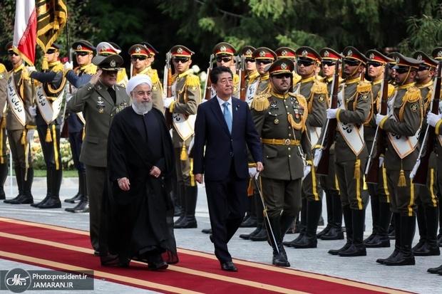 استقبال رسمی رئیس جمهور روحانی از نخست وزیر ژاپن