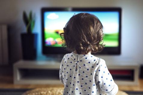 اگر کودک عاشق تلویزیون دارید، بخوانید!