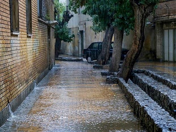 باران در 12 شهرستان خراسان رضوی همچنان می بارد