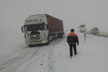 تردد اتوبوس و کامیون در جادههای قزوین در صورت لزوم ممنوع میشود
