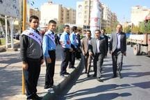 دانش آموزان فارس زنجیره انسانی نه به اعتیاد تشکیل دادند