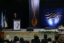 معاون رئیس جمهوری: صادرات صنایع دستی تقویت می شود