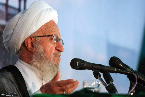 انتقاد آیت الله مکارم شیرازی از دولت در مورد برجام