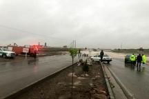سیلاب مسیر مشهدریزه- تایباد را مسدود کرد