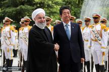 تصاویر/ استقبال رسمی رئیس جمهور روحانی از نخست وزیر ژاپن