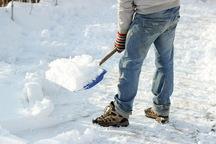 شهروندان فعال ارومیه ای در برف روبی زمستانی تجلیل می شوند